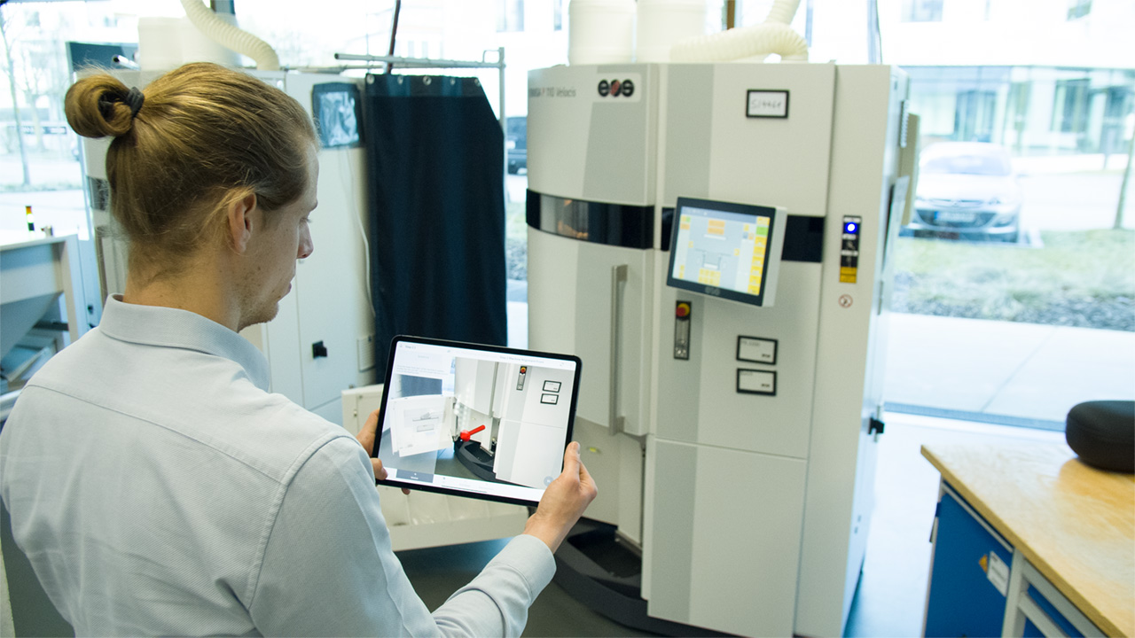 Image: AR-based commissioning for industrial 3D printing equipment at EOS